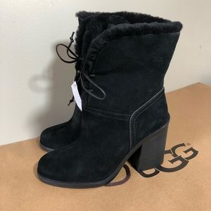 Ugg Jerene black suede and fur lined bootie SZ 6.5